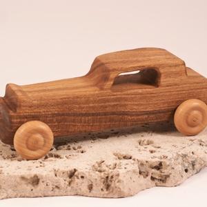 Játék fa kocsi, faautó,  kocsi, , Építőjáték, Játék & Gyerek, Famegmunkálás, Japánakácfából készült autó. Paraffinolajjal kezelve.\nMérete:18,5x6x6,5cm, Meska