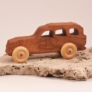 Játék faautó, fakocsi, terepjáró, Játék & Gyerek, Famegmunkálás, Körtefából készült kocsi. Paraffinolajjal kezelve.\nMérete:15x6x5cm, Meska