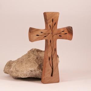 Mintás fakereszt , Otthon & Lakás, Spiritualitás & Vallás, Kereszt, Famegmunkálás, Platánfából készült, falra akasztható kereszt. Lombfűrésszel átvágott minta.\nMérete:19x12x2cm..., Meska