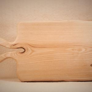 fa  vágódeszka, lapító, Otthon & Lakás, Konyhafelszerelés, Vágódeszka, Famegmunkálás, Egy darab keményfából / kőrisfa/ készült  vágódeszka. Egy darabból van, nem ragasztott. Színtelen pa..., Meska