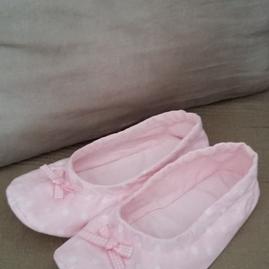 Rózsaszín- nagy fehér pöttyös tutyi, Gyerek & játék, Táska, Divat & Szépség, Cipő, papucs, Mi sem jobb annál, mikor hazaérünk és az otthoni dolgainkba ugorhatunk, pl. egy kedvenc tutyiba, ami..., Meska