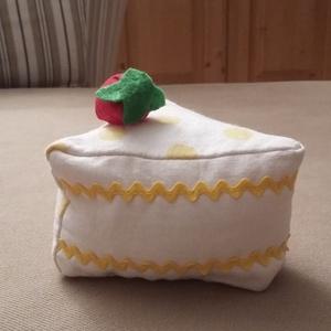 Torta vaníliás, Otthon & lakás, Gyerek & játék, Dekoráció, Játék, Édes legyen, de ne hízlalós! Ez a megfelelő választás. A torta szeletet mintás pamutvászonból varrta..., Meska