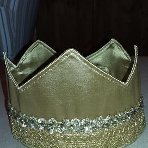Korona 5-ágú, Farsangi jelmez, Játék, Varrás, A koronát aranyszínű selyemből varrtam, hozzá színben és anyagában illő díszítő szalaggal tettem cs..., Meska