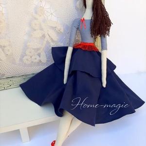Lola - párizsi  lány, Gyerek & játék, Játék, Baba, babaház, Otthon & lakás, Dekoráció, Dísz, Lakberendezés, Baba-és bábkészítés, Varrás, Textilből készült baba, melyet lánykáknak és felnőtt hölgyeknek egyaránt ajánlok.\n\nLola igazi párizs..., Meska
