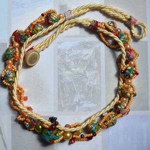 Vintage shic, Ékszer, Nyaklánc, Ékszerkészítés, A nyaklánc   főképp saját készítésű  apróbb textil (1 cm) gyöngyök felhasználásával készült, kiegész..., Meska