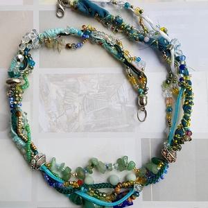 Tavaszi könnyű szellő, Ékszer, Nyaklánc, Párhuzamos nyaklánc, Ékszerkészítés, Finom pasztell színek alkotják a nyaklánc elemeit, áttetsző kék és zöldek keverednek a sárgákkal, it..., Meska