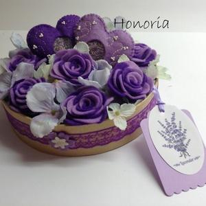 Levendulás rózsák -virágdoboz szívekkel (Honoria) - Meska.hu