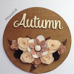 Ősz/ Autumn (2.)-AJTÓDÍSZ-filcvirágokkal, Otthon & lakás, Dekoráció, Lakberendezés, Ajtódísz, kopogtató, Csodaszép gyapjúfilc virágokkal díszített ajtódísz.  A virágok kézzel készültek, saját tervek alapjá..., Meska