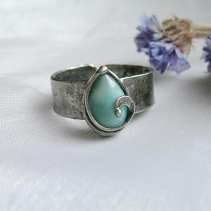 Larimár gyűrű, Ékszer, Gyűrű, Fémmegmunkálás, Ötvös, Saját tervezésű egyedi kézműves alkotás.\n\nA gyűrű Tiffany technikával készült larimár és ólommentes,..., Meska
