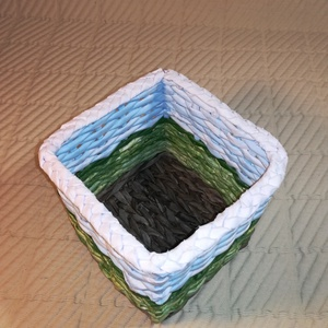 Föld, papírfonás, doboz  (Hopotoo) - Meska.hu