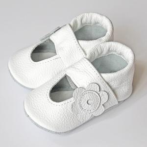 Hopphopp puhatalpú szandál - Fehér, Táska, Divat & Szépség, Gyerekruha, Ruha, divat, Cipő, papucs, Varrás, Bőrművesség, A cipők természetes, puha, minőségi bőrből készülnek, melyek ideálisak a járni tanuló babáknak, vagy..., Meska