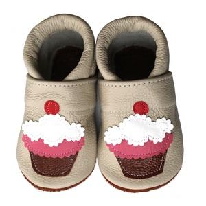 Hopphopp puhatalpú cipő - Muffin/Bézs, Táska, Divat & Szépség, Cipő, papucs, Ruha, divat, Gyerekruha, Varrás, A cipők természetes, puha, minőségi bőrből készülnek, melyek ideálisak a járni tanuló babáknak, vagy..., Meska
