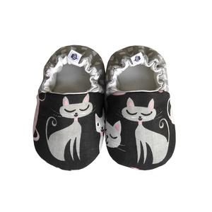 Cicás I. kocsicipő, Babacipő, Babaruha & Gyerekruha, Ruha & Divat, Varrás, 16-19-es méretben rendelhetők a cipőcskék, kívül-belül pamutból készülnek, illetve a két réteg közé ..., Meska