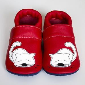 Hopphopp puhatalpú cipő - Kiscicás, Ruha & Divat, Cipő & Papucs, Cipő, Varrás, A cipők természetes, puha, minőségi bőrből készülnek, melyek ideálisak a járni tanuló babáknak, vagy..., Meska