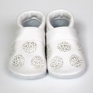 Hopphopp puhatalpú cipő - Pöttyös - Keresztelőre/Esküvőre/Alkalmakra, Gyerek & játék, Esküvő, Táska, Divat & Szépség, Cipő, papucs, Varrás, A cipők természetes, puha, minőségi bőrből készülnek, melyek ideálisak a járni tanuló babáknak, vagy..., Meska
