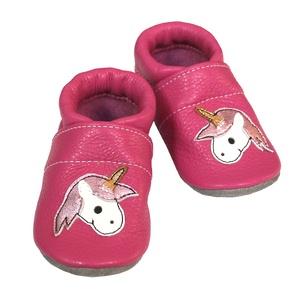 Hopphopp puhatalpú cipő - Unikornis, Babacipő, Babaruha & Gyerekruha, Ruha & Divat, Bőrművesség, Varrás, A cipők természetes, puha, minőségi bőrből készülnek, melyek ideálisak a járni tanuló babáknak, vagy..., Meska