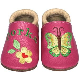 Új! Hopphopp puhatalpú cipő - Hímzett/pillangós, Babacipő, Babaruha & Gyerekruha, Ruha & Divat, Hímzés, Varrás, Varázsold emlékké gyermeked cipőjét! :) \n\nA puhatalpú bőrcipőket egyedi, névre szóló hímzéssel lehet..., Meska