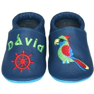 Új! Hopphopp puhatalpú cipő - Hímzett/kalóz papagáj, Babacipő, Babaruha & Gyerekruha, Ruha & Divat, Hímzés, Varrás, Varázsold emlékké gyermeked cipőjét! :) \n\nA puhatalpú bőrcipőket egyedi, névre szóló hímzéssel lehet..., Meska