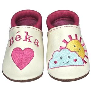 Új! Hopphopp puhatalpú cipő - Hímzett/napocskás, Babacipő, Babaruha & Gyerekruha, Ruha & Divat, Hímzés, Varrás, Varázsold emlékké gyermeked cipőjét! :) \n\nA puhatalpú bőrcipőket egyedi, névre szóló hímzéssel lehet..., Meska