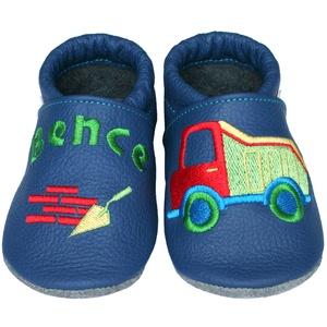 Új! Hopphopp puhatalpú cipő - Hímzett - Dömper, Babacipő, Babaruha & Gyerekruha, Ruha & Divat, Hímzés, Varrás, Varázsold emlékké gyermeked cipőjét! :) \n\nA puhatalpú bőrcipőket egyedi, névre szóló hímzéssel lehet..., Meska