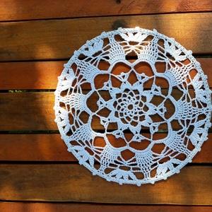 Mandala - horgolt dekoráció , Mandala, Dekoráció, Otthon & Lakás, Horgolás, 1 db 25 cm átmérőjű horgolt dísz, amely falra vagy ablakba akasztva mutat a legjobban. \n A mandala t..., Meska