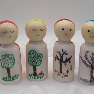 Manók - minden évszakra - waldorf  módra, Játék & Gyerek, Bábok, Baba-és bábkészítés, Festett tárgyak, A négy kis manó alapja kis fa figura és a négy évszakot jelképezik.\nAkvarell festékkel festettem és ..., Meska