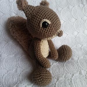 Horgolt mókus (HorgoloZoo) - Meska.hu