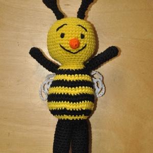 Méhecske, Egyéb, Kulcstartó, táskadísz, Táska, Divat & Szépség, Horgolás, Méhecske\n\nPamut fonal + PE töltet\nhorgolt\n\nkb. 22cm, Meska