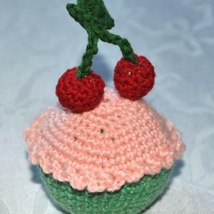 Muffinok - Gyümölcsös, Játék & Gyerek, Plüssállat & Játékfigura, Nyuszi, Horgolás, Muffin - Gyümölcsös\n\nMagassága 7-8 cm\n\nPamut fonalból horgolom, és poliészter töltettel tömöm ki...., Meska