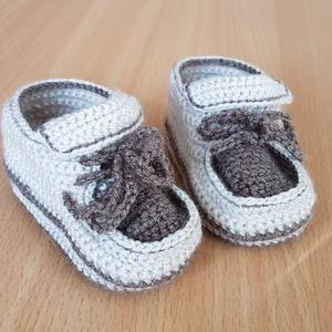 Horgolt őszi cipőcske kisfiúknak, Gyerek & játék, Baba-mama kellék, Horgolás, Horgolt babacipő őszre, akril (Alize my baby) fonalból készült.\nTalphossz 10 cm, talpszélesség 5cm. ..., Meska