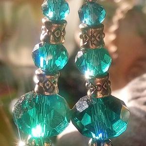 Türkiz színű kristály fülbevaló (hortenziakincsei) - Meska.hu