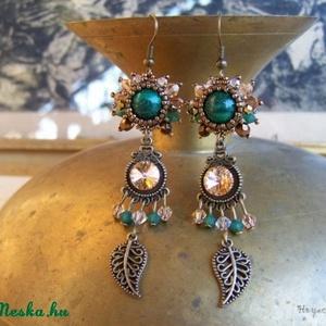 Swarovski kristály, malachit, igényes, kifinomult, egyedi, beadwork, hosszú, nőies fülbevaló (hoyacarnosa) - Meska.hu