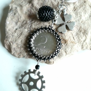 2 Forintos Kulcstartó - fekete - ezüst   (hoyacarnosa) - Meska.hu