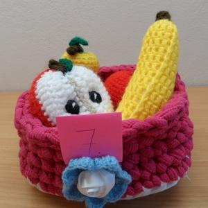 Gyümölcskosár 7., Játék & Gyerek, Horgolás, 4 gyümölcs kis horgolt kosárkában, mely az újrahasznosítás jegyében póló fonálból van horgolva. A ba..., Meska