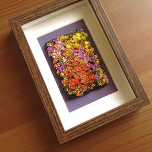 Lila-sárga virágtenger - 3D kép süthető gyurmából (S), Otthon & lakás, Dekoráció, Lakberendezés, Kép, Gyurma, Festett tárgyak, A kép süthető gyurmából készült, középbarna képkeretbe került.\n\nA keret 12x17 cm, elrendezése variál..., Meska