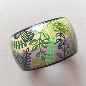 Festett fa karkötő, Ékszer, Karkötő, Karperec, Festett tárgyak, A fa alapra kézzel, akrilfestékkel festettem a mintát, majd lakkoztam. \n\nA karkötő szélessége  4,5 c..., Meska
