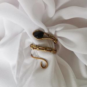 Kígyó gyűrű , Ékszer, Gyűrű, Figurális gyűrű, Ékszerkészítés, Piton kígyó gyűrű állítható mérettel. \nA képen látható gyűrű 54-es méret. , Meska