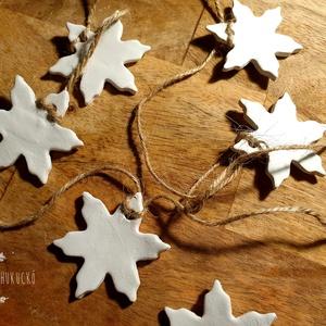 Karácsonyi csillagfüzér, Karácsonyfadísz, Karácsony & Mikulás, Otthon & Lakás, Gyurma, Kézzel készült karácsonyi csillagfüzér, mely nem csak a karácsonyfa dísze lehet, otthonodat is ünnep..., Meska
