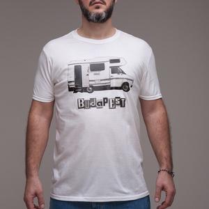 """Budapest \""""Camper\"""" uniszex póló fehér, Ruha & Divat, Férfi ruha, Póló, Fotó, grafika, rajz, illusztráció, S-2XL\n> 100% pamut\n> unisex - a képen L méret\n> A lakóautó fekete-fehér analóg fotó 2008-ból\n> A bet..., Meska"""