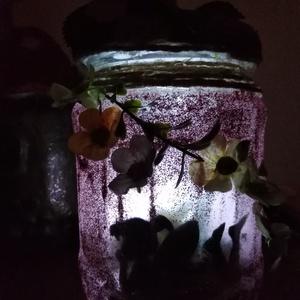Üveg mécsestartó tündérrel alvást segítő, Otthon & Lakás, Dekoráció, Dísztárgy, Újrahasznosított alapanyagból készült termékek, Üvegmécses\nmely készült az újrahasznosítás jegyében\ntisztított és fertőtlenített üvegből.\nCsillámmal..., Meska