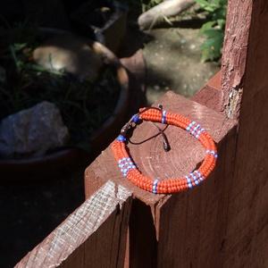 sárga ndebele, Ékszer, Karkötő, Gyöngyös karkötő, Ndebele, azaz heringbone technikával készült karkötő, melynek mérete egy csúszó szorítás segítségéve..., Meska