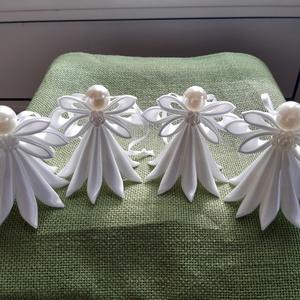 Szalagból készült angyal, Otthon & lakás, Dekoráció, Mindenmás, Szatén szalagból készültek az angyalkák,  méretük 8x8 cm, színt lehet választani. , Meska