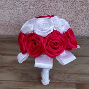 Csokor szatén szalagból , Otthon & lakás, Dekoráció, Csokor, Mindenmás, Szatén szalagból készül a csokor,  20 cm széles,  21 cm magas,  5 cm-es virágok. Bármilyen alkalomra..., Meska