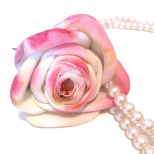 Gyöngyöző romantika - egyedi, rózsás gyöngysor, Gyöngyös nyaklác, Nyaklánc, Ékszer, Ékszerkészítés, Közepes szemű, minőségi teklagyöngysort díszítettem fel  különleges hatású, árnyalatos színűre feste..., Meska
