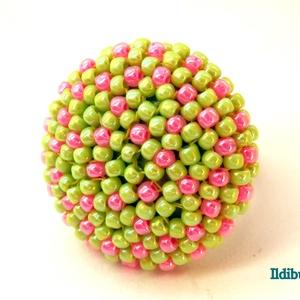 Pöttyös kerek gyűrű (almazöld és rózsaszín), Ékszer, Gyűrű, Anyák napja, Ünnepi dekoráció, Dekoráció, Otthon & lakás, Ballagás, Gyöngyfűzés, gyöngyhímzés, Ismét egy újabb változat ugyanarra a kerek gyűrűre! Nemcsak egyszínű, spirálos vagy tarka, de akár p..., Meska