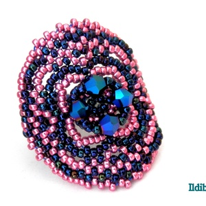 Insomnia gyűrű - fémes kék és rózsaszín, Gyöngyös gyűrű, Gyűrű, Ékszer, Gyöngyfűzés, gyöngyhímzés, Aprólékos munkával, fémes kék és fémes orchidea színek párosításával készítettem ezt a feltűnő, mégi..., Meska