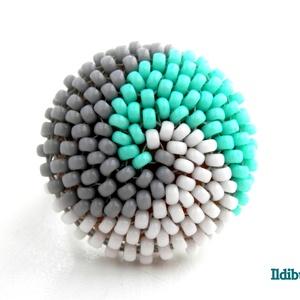 Spirálos 3 színű kerek gyűrű - fehér, szürke, menta, Statement gyűrű, Gyűrű, Ékszer, Gyöngyfűzés, gyöngyhímzés, ÚJ színösszeállítás! Szürke, fehér, valamint menta színű japán kásagyöngyökből készítettem el ezt a ..., Meska