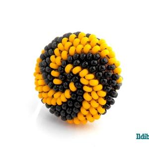 Spirálos 2 színű kerek gyűrű - sárga fekete, Statement gyűrű, Gyűrű, Ékszer, Gyöngyfűzés, gyöngyhímzés, Sok színben láthatod ezt a gyűrűmet a boltomban (illetve érdemes szétnézni az eladott termékeim közö..., Meska
