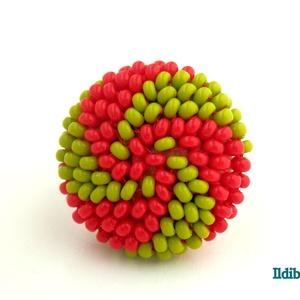 Spirálos 2 színű kerek gyűrű - piros és kiwi, Ékszer, Gyűrű, Kerek gyűrű, Gyöngyfűzés, gyöngyhímzés, Meska