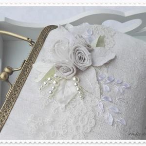 Ekrü, szőttes és csipke . Menyasszonyi vagy alkalmi táska .Vintage len  kistáska. (Ilkamuvek) - Meska.hu